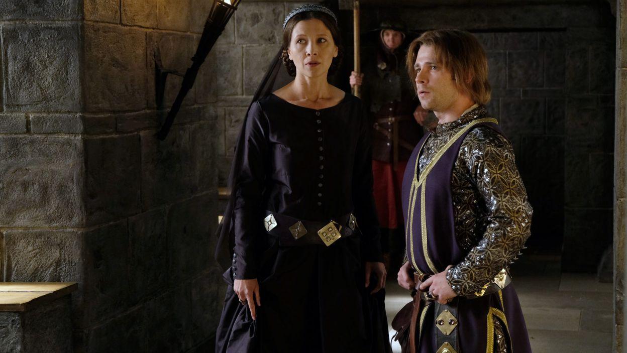 Kunegunda próbuje zniechęcić Kazimierza Wielkiego do Elżbiety, dlatego zamierza ich skłócić (fot. TVP)
