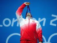 Polski sztangista zadedykował złoto zmarłemu trenerowi Ireneuszowi Chełmowskiemu (fot. Getty Images)
