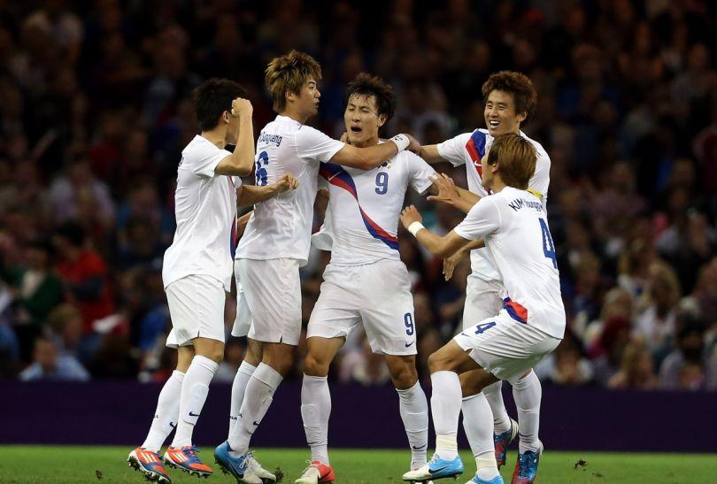 Po konkursie rzutów karnych z awansu cieszyli się Koreańczycy (fot. Getty Images)
