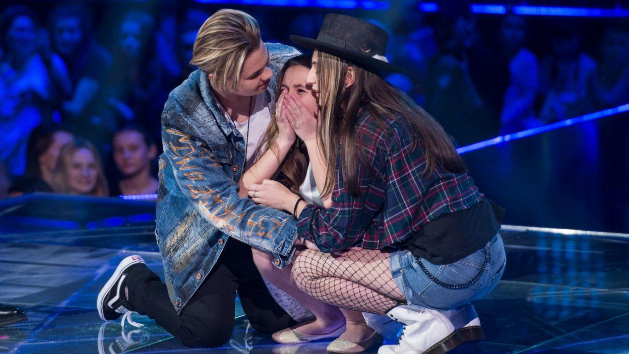 Ania wprost nie mogła uwierzyć, że to ona będzie śpiewać dalej (fot. J. Bogacz/TVP)