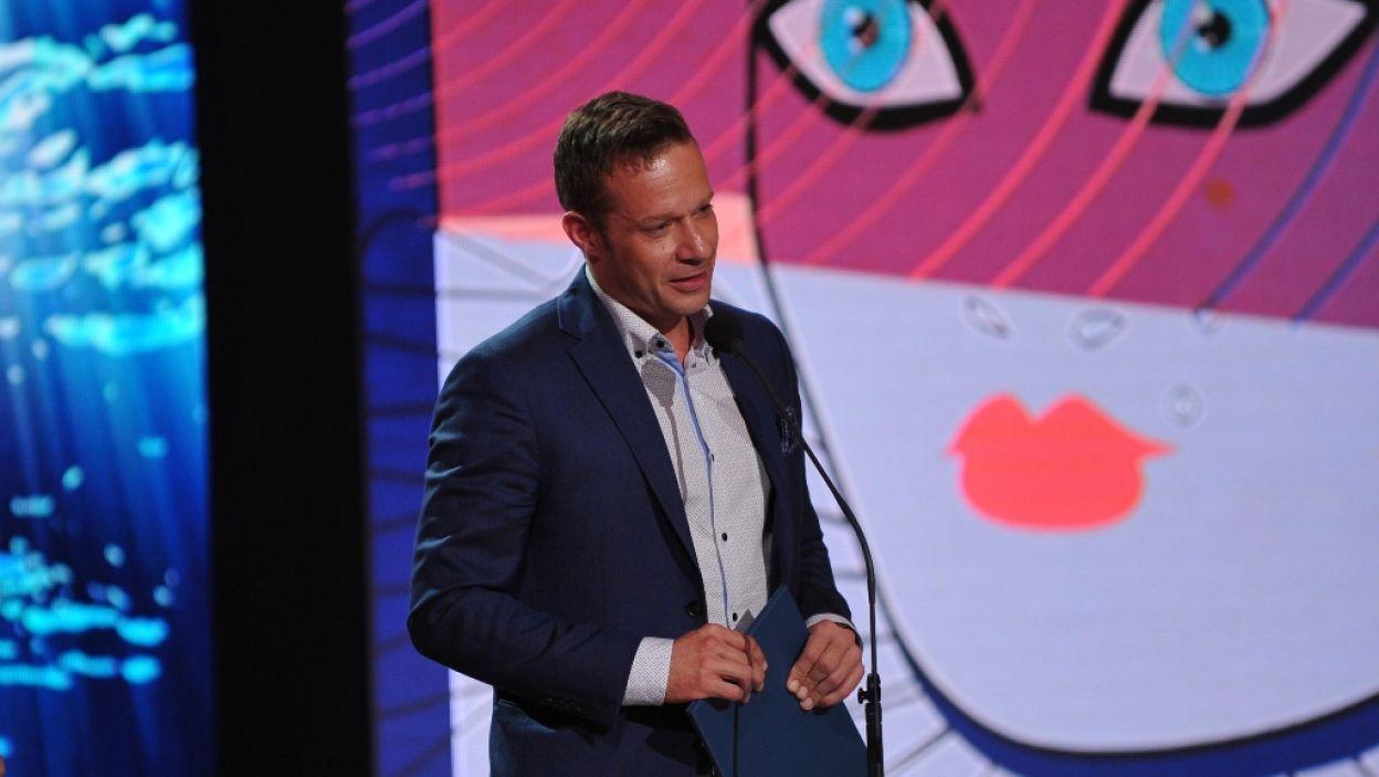 Za Twórczą Realizację Telewizyjną Spektaklu Teatralnego nagrodzony został Jan Englert. Z powodu nieobecności artysty, w jego imieniu, nagrodę odebrał. Grzegorz Małecki (fot. N. Młudzik/TVP)