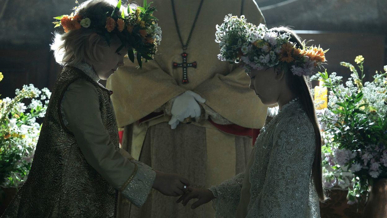 Jadwiga poznała swoje przyszłego męża w Wiedniu, gdzie między dziećmi odbyły się zaręczyny na przyszłość (fot. TVP)