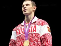 Jegor Miechoncew po niezwykle zaciętym pojedynku z Adylbekiem Nijazymbetowem wywalczył złoto w kat. 81 kg (fot. Getty Images)