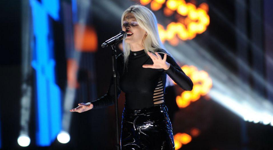 Daria Zawiałow oscyluje na granicy ambitnego popu i muzyki alternatywnej. Artystka błyskawicznie zdobyła uznanie publiczności (fot. N. Młudzik/TVP)