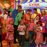 Dzieci poznają tajniki pracy w cyrku (fot. TVP)