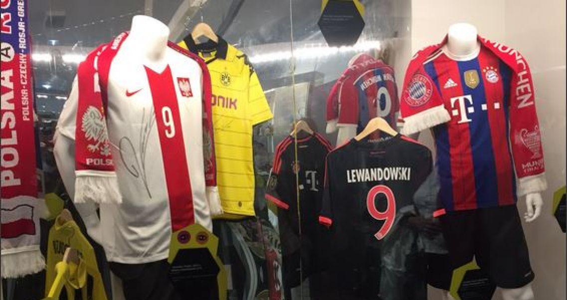 c90c834b9 Futbolove Historie