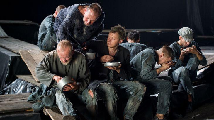 """""""Inny świat"""" według Herlinga-Grudzińskiego w Teatrze Telewizji"""