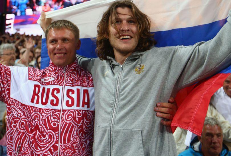 Rosjanin Iwan Uchow skoczył 2,38 m i zdobył złoty medal w skoku wzwyż (fot. Getty Images)