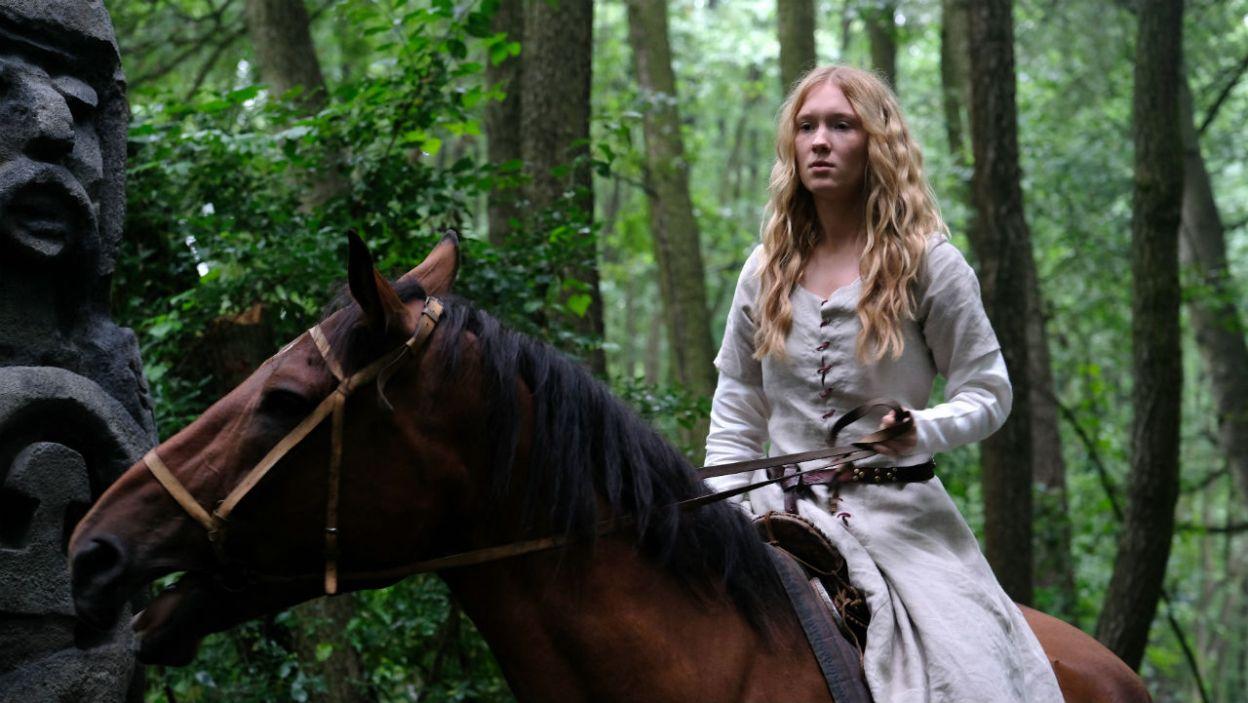 Księżniczka, choć zakochana w litewskim rycerzu, musiała dostosować się do woli ojca (fot. TVP)