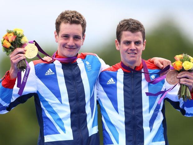 Bracia Brownlee zdominowali olimpijski triathlon w Londynie (fot. Getty Images)