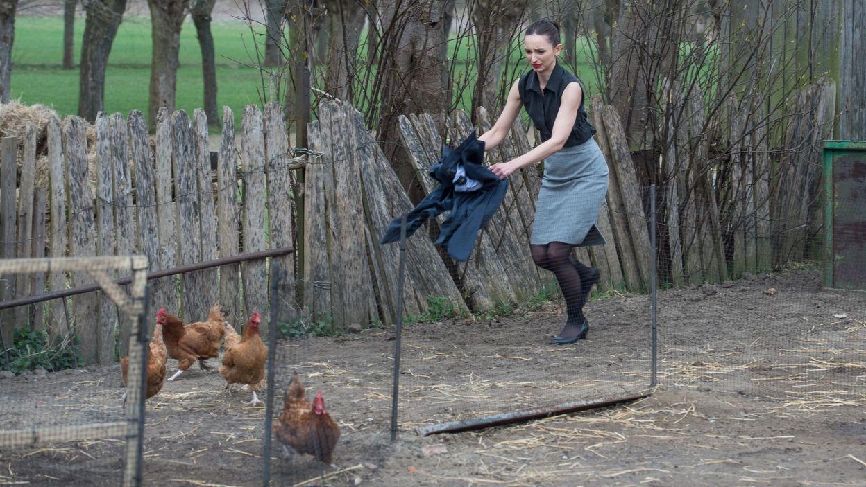Życie na wsi bywa dla mieszczuchów pełne wyzwań... (fot. Jan Bogacz/TVP)