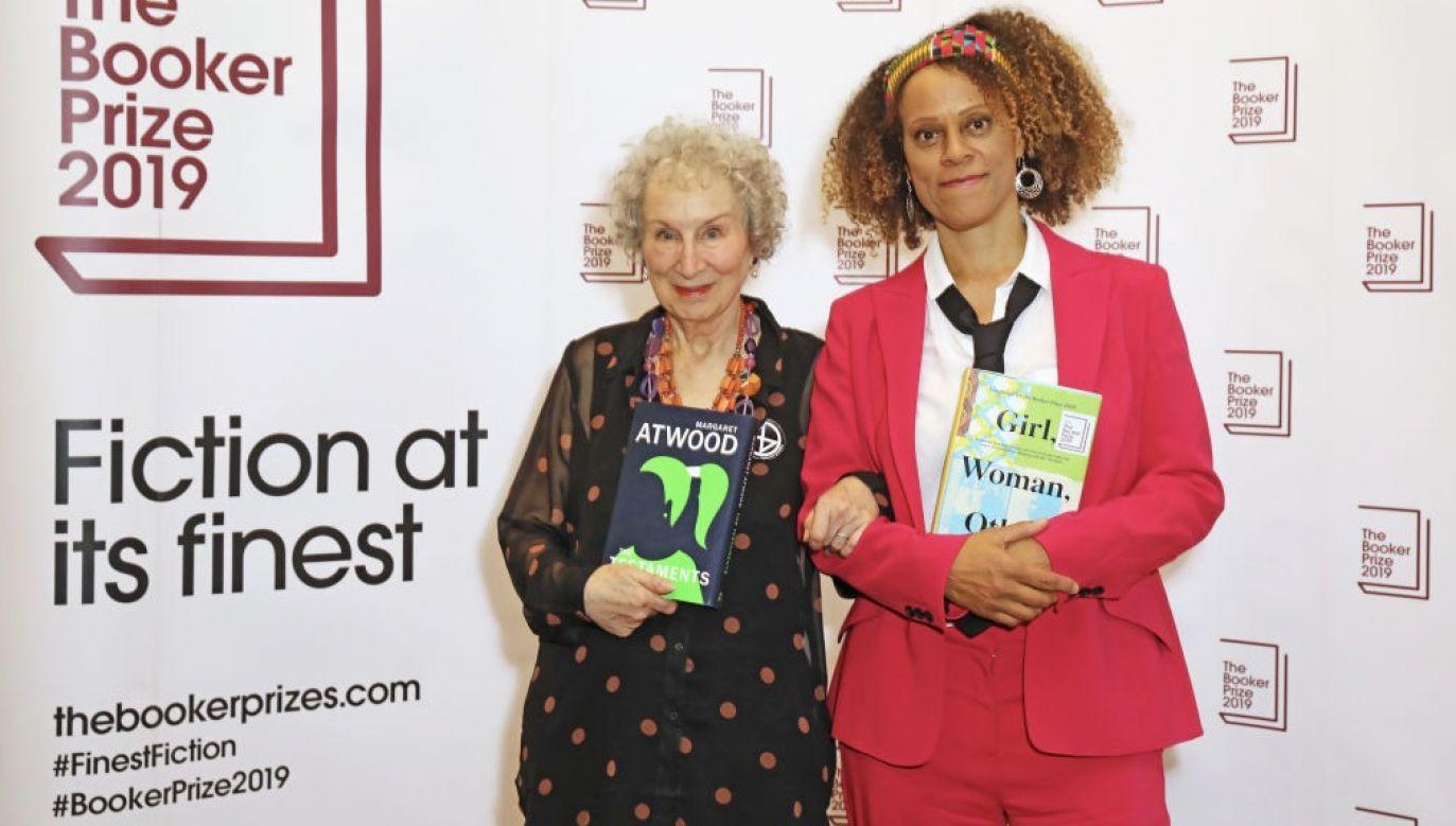 W ubiegłorocznej edycji nagrodę podzielono pomiędzy dwie pisarki, Bernardine Evaristo i  Margaret Atwood  (fot.  David M. Benett/Dave Benett/Getty Images)