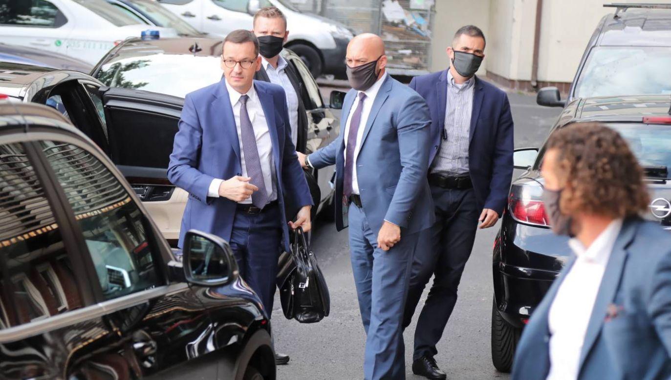 Według nieoficjalnych informacji do kolejnego spotkania kierownictwa PiS ma dojść w poniedziałek (fot. PAP /Wojciech Olkuśnik)