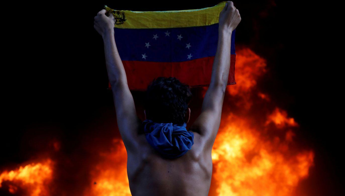 Gospodarka Wenezueli kolejny rok kończy katastrofalnym bilansem ujemnym: -25,5 proc. PKB (fot. REUTERS/Carlos Garcia Rawlins)
