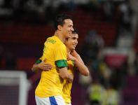 Leandro Damiao cieszy się po jednej z bramek (fot.PAP/EPA)
