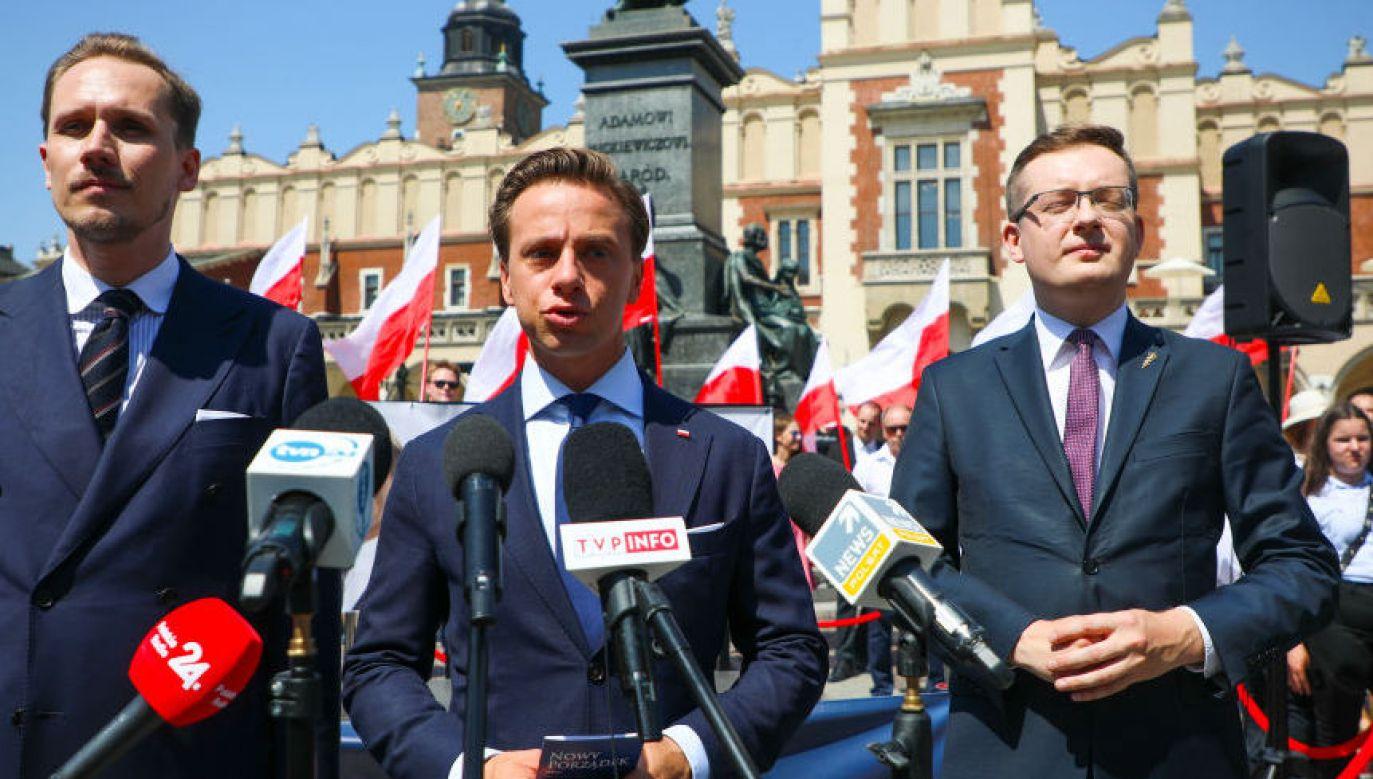 Konfederacja: Konrad Berkowicz, Krzysztof Bosak, Robert Winnicki (fot. Beata Zawrzel Getty Images)