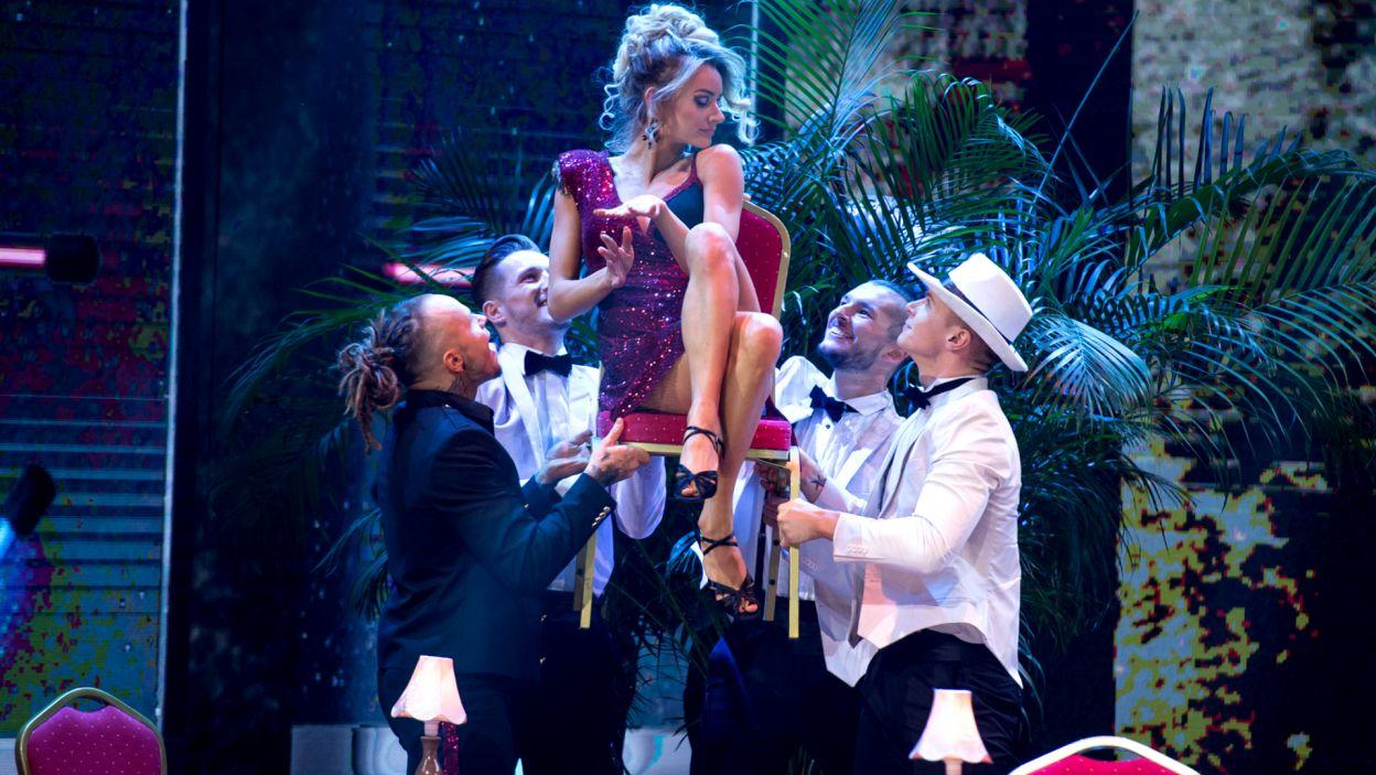 """Para zatańczyła do piosenki """"I'm So Excited"""" The Pointed Sisters. Jak jury oceniło tę choreografię? (fot. TVP/ J. Bogacz)"""