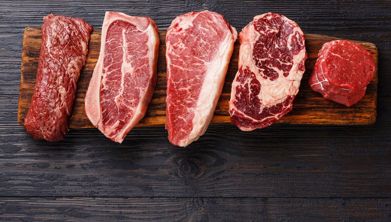 Eksperci przestrzegają przed przetworzonym mięsem (fot. Shutterstock/Lisovskaya Natalia)