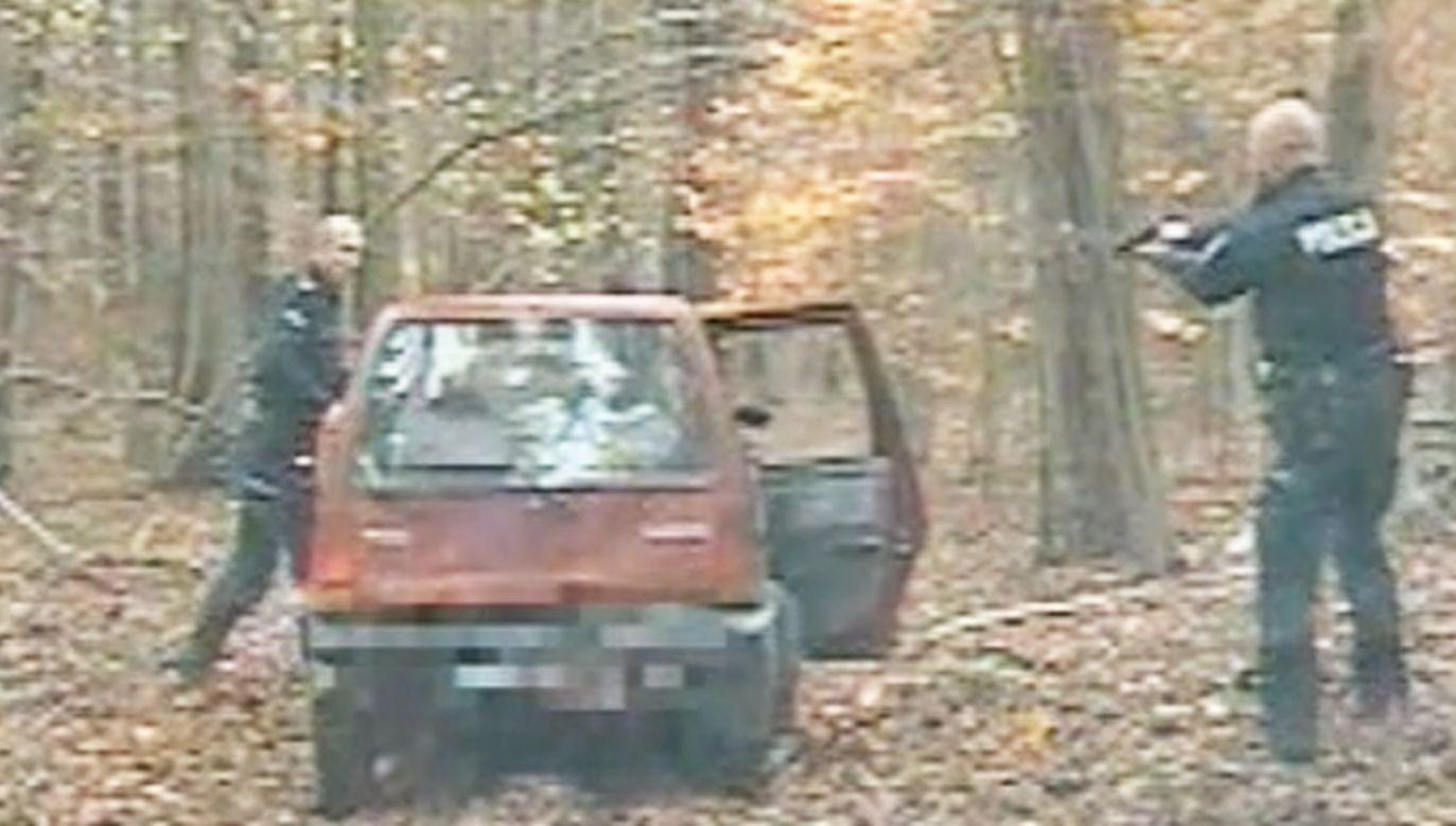 Tico gnało po drogach, przez pola i las (fot. Policja)
