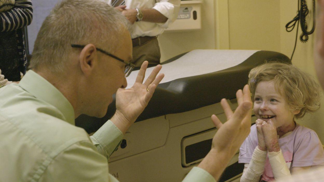 Szansę na zdrowie daje przeszczep szpiku i komórek macierzystych. Tej terapii podjął się prof. Jakub Tolar (fot. materiały prasowe)