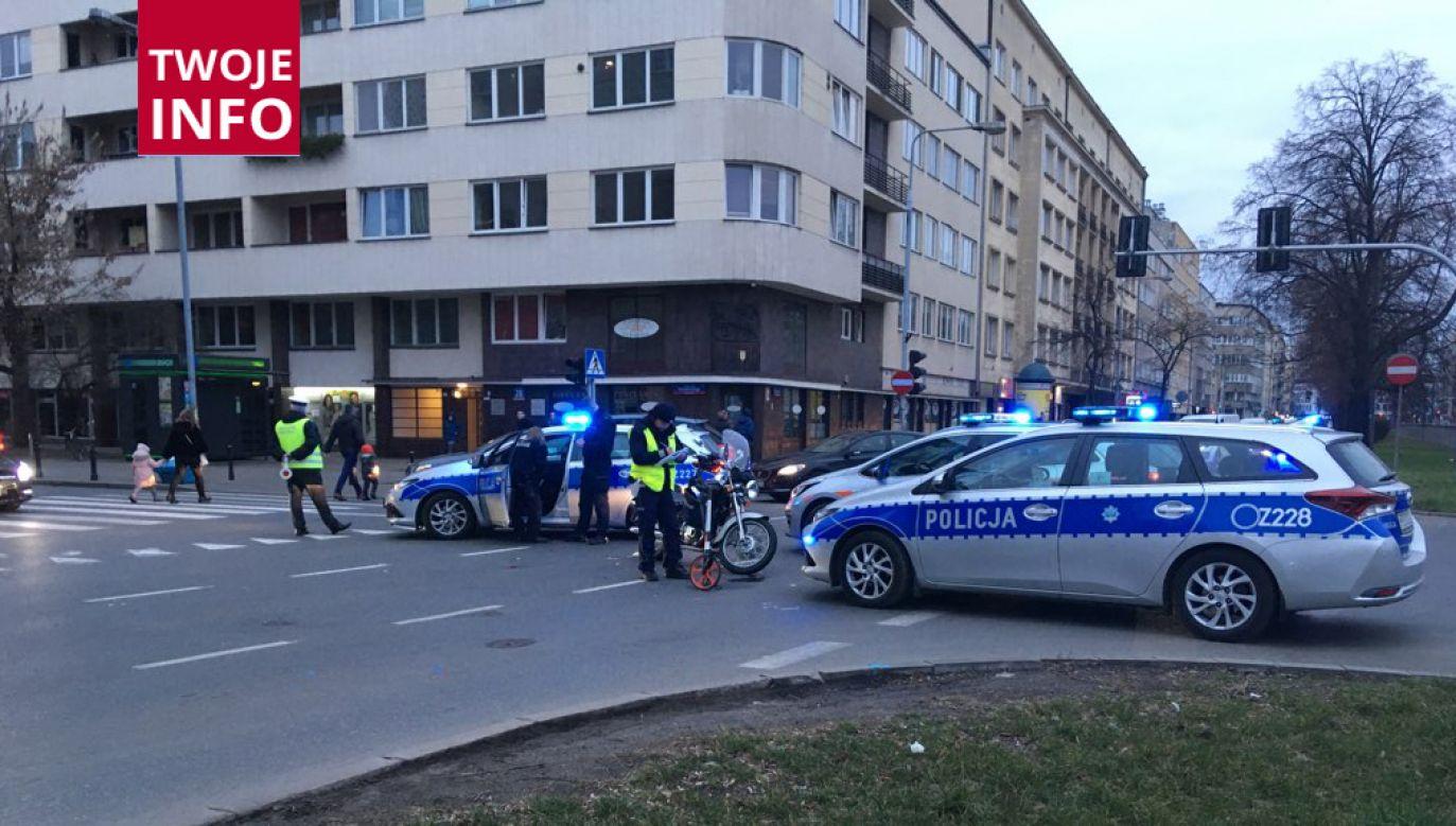 Do kolizji doszło na rogu ulic: Puławskiej i Madalińskiego (fot. TWOJE INFO)