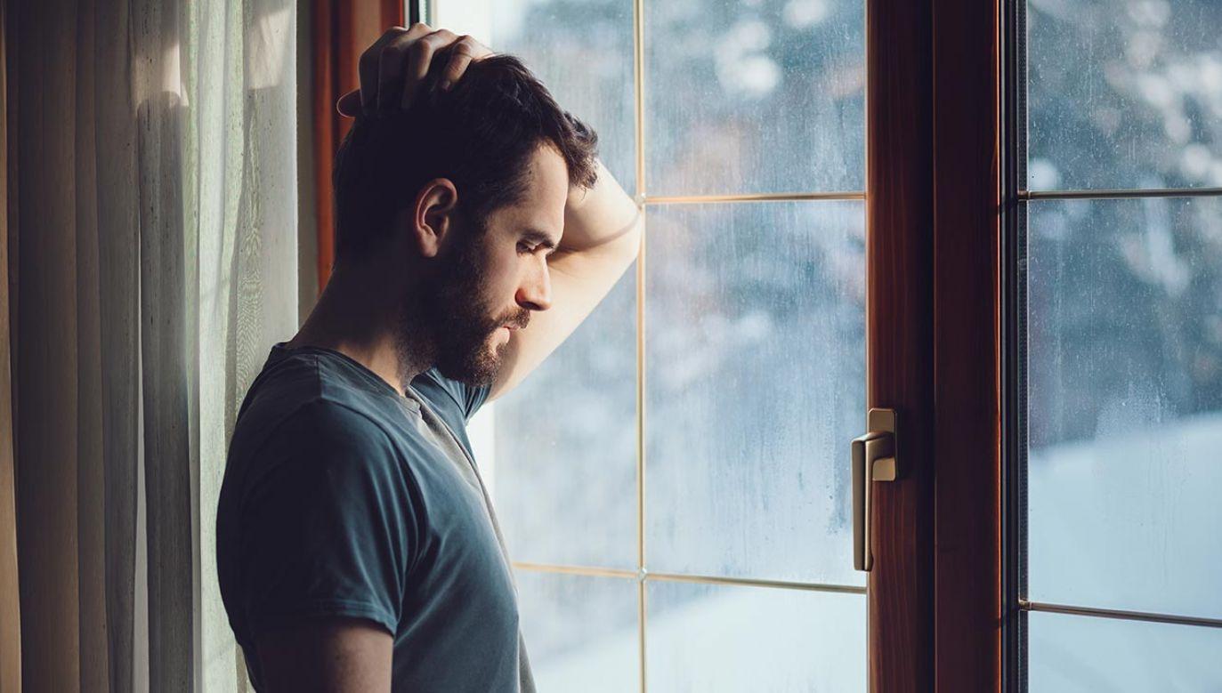 Samotność sprzyja nowotworom (fot. Shutterstock/Marjan Apostolovic)