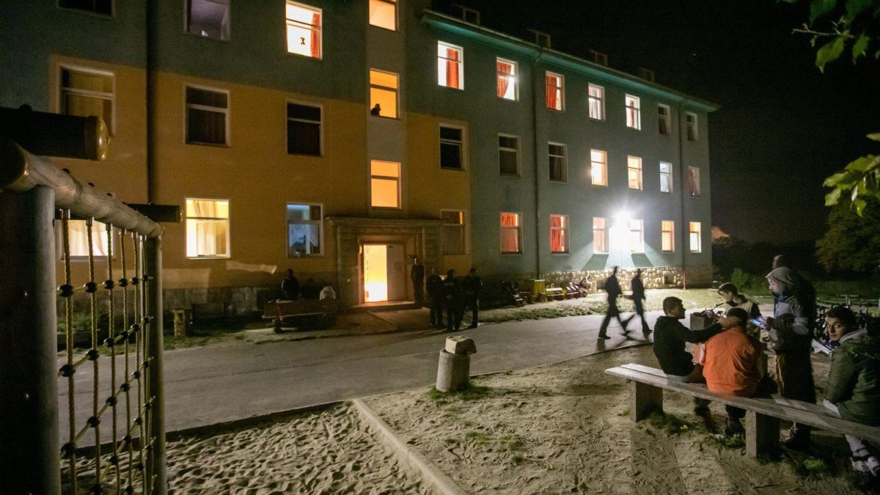 Pożar wybuchł w ośrodku dla uchodźców w poniedziałek (fot. PAP/EPA/MICHAEL REICHEL)
