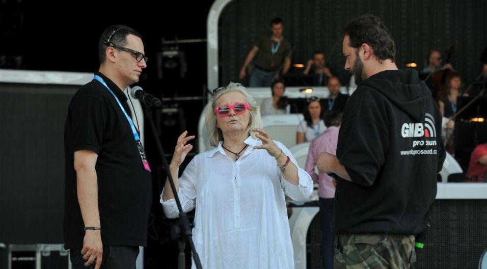 Magda Umer zadbała o każdy szczegół swojego występu (fot.J. Bogacz)