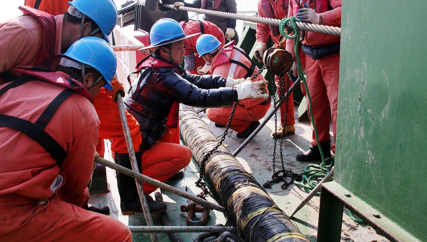Do Irlandii dochodzą podmorskie kable, które pozwalają na utrzymywanie ruchu internetowego między Ameryką, Wielką Brytanią i Europą (fot. Yao Feng/VCG via Getty Images, zdjęcie ilustracyjne)