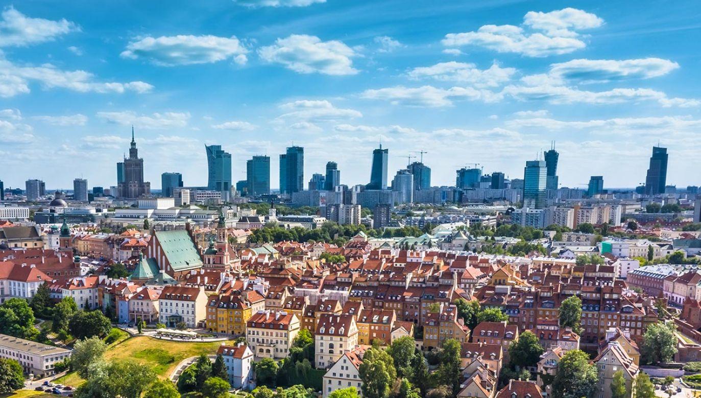 Rafał Trzaskowski po Hannie Gronkiewicz-Waltz odziedziczył miasto mnóstwa potencjalnych usterek – które właśnie się dzieją (fot. Shutterstock/NetVideo)