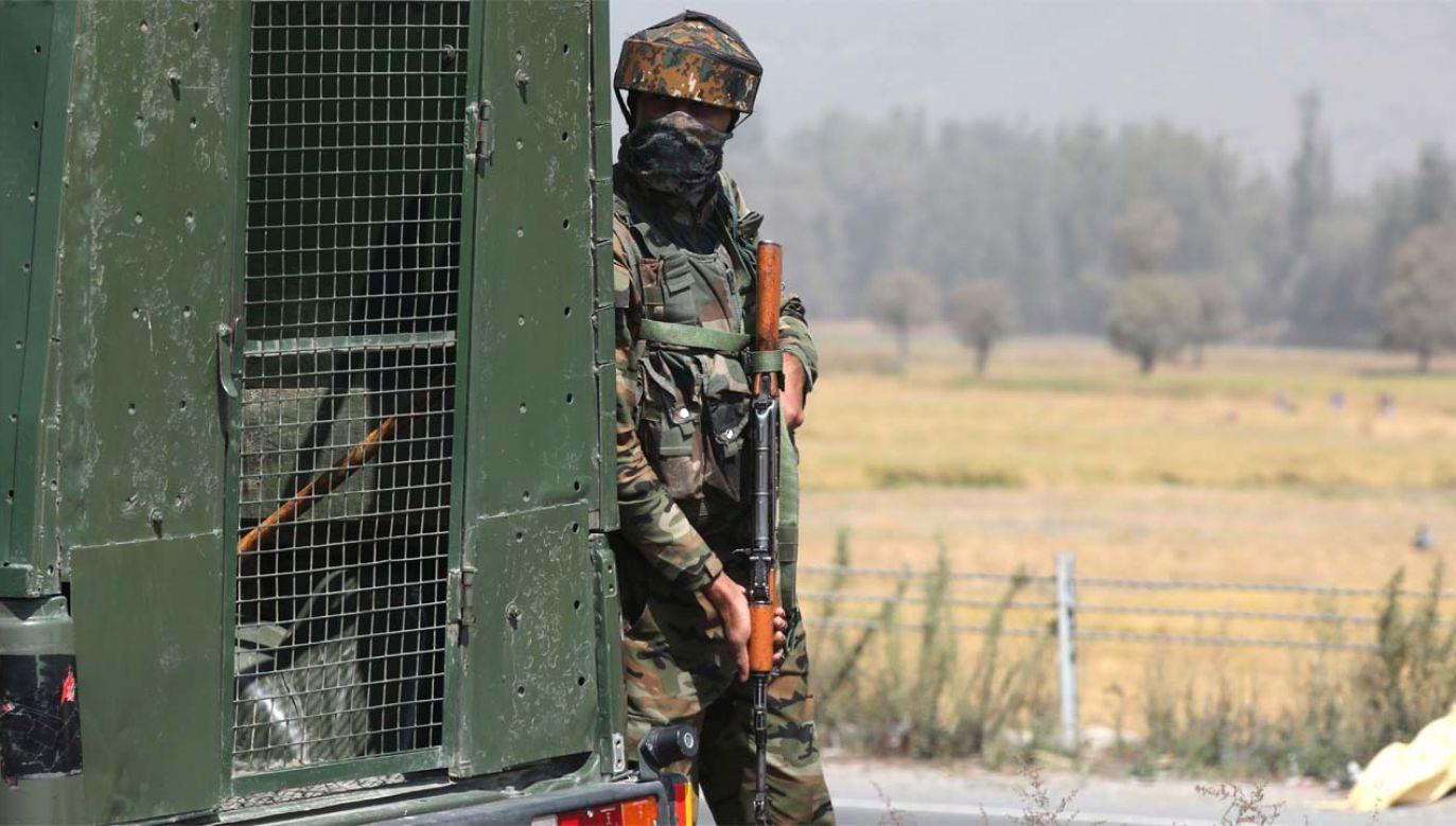 Strona indyjska odpowiedziała ogniem (fot. PAP/EPA/FAROOQ KHAN)