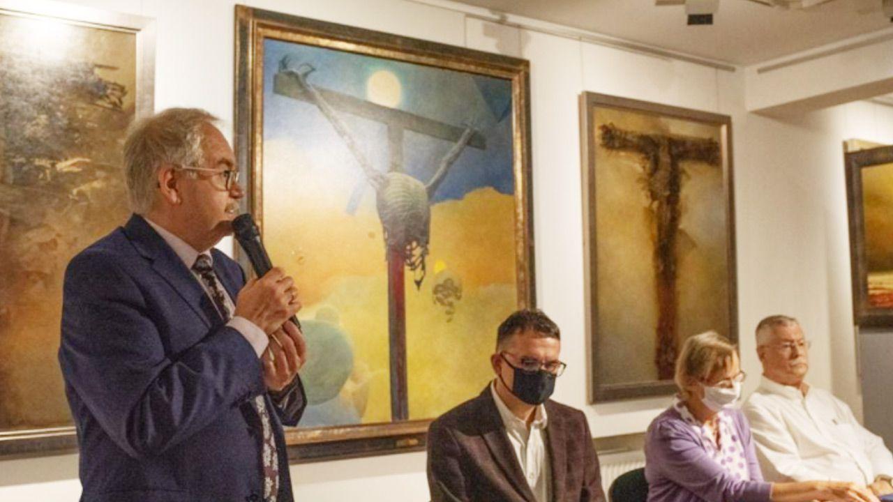 Beksiński w Muzeum Archidiecezji Warszawskiej (fot. Facebook/Muzeum Archidiecezji Warszawskiej)