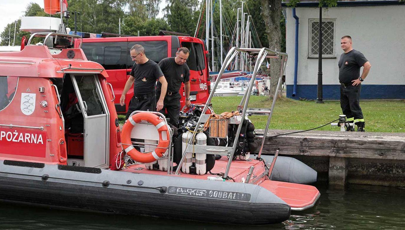 Akcja poszukiwawcza ma zostać wznowiona we wtorek rano (fot. PAP/Tomasz Waszczuk)
