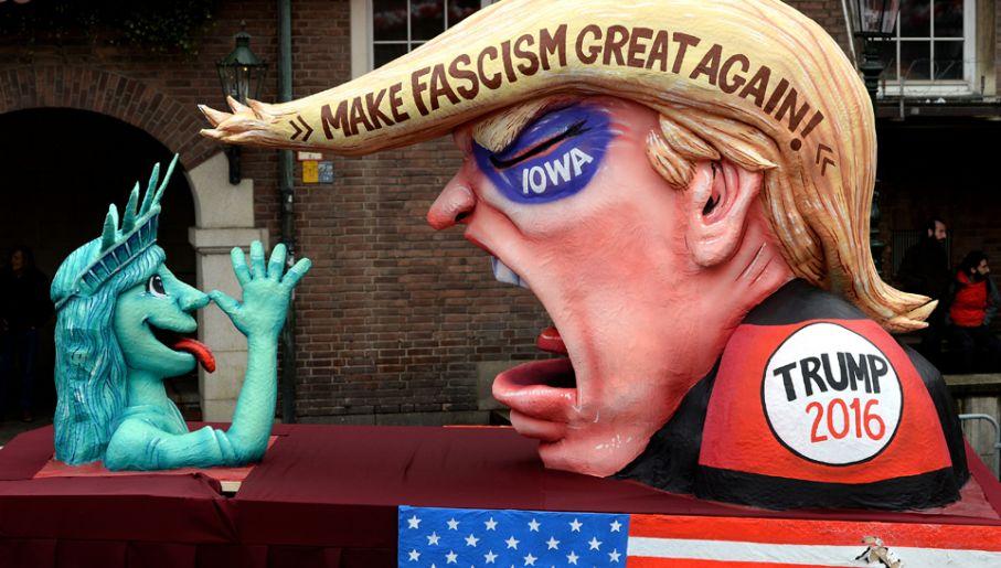 Dostało się także Donaldowi Trumpowi (fot. Sascha Steinbach/Getty Images)