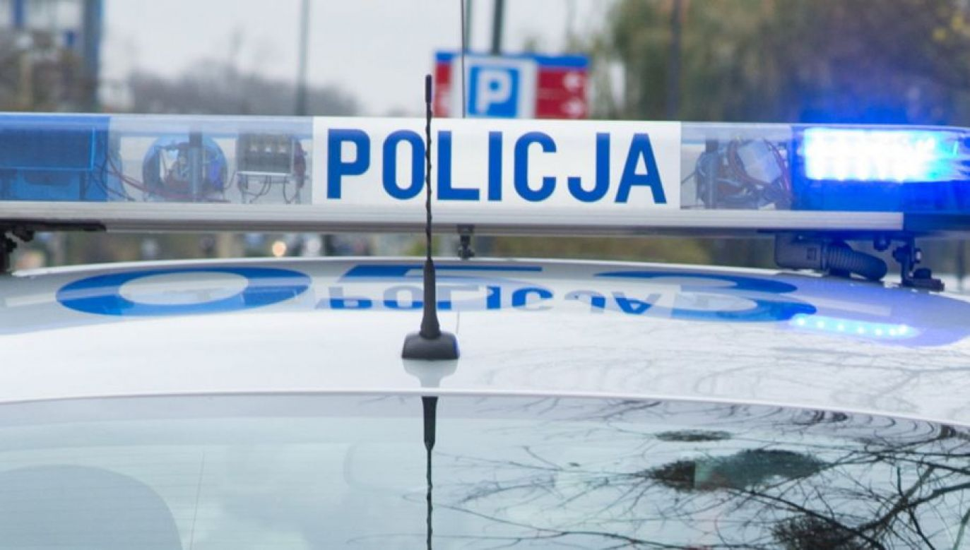 Policjant wyciągnął broń i oddał strzał w kierunku samochodu (fot. policja)