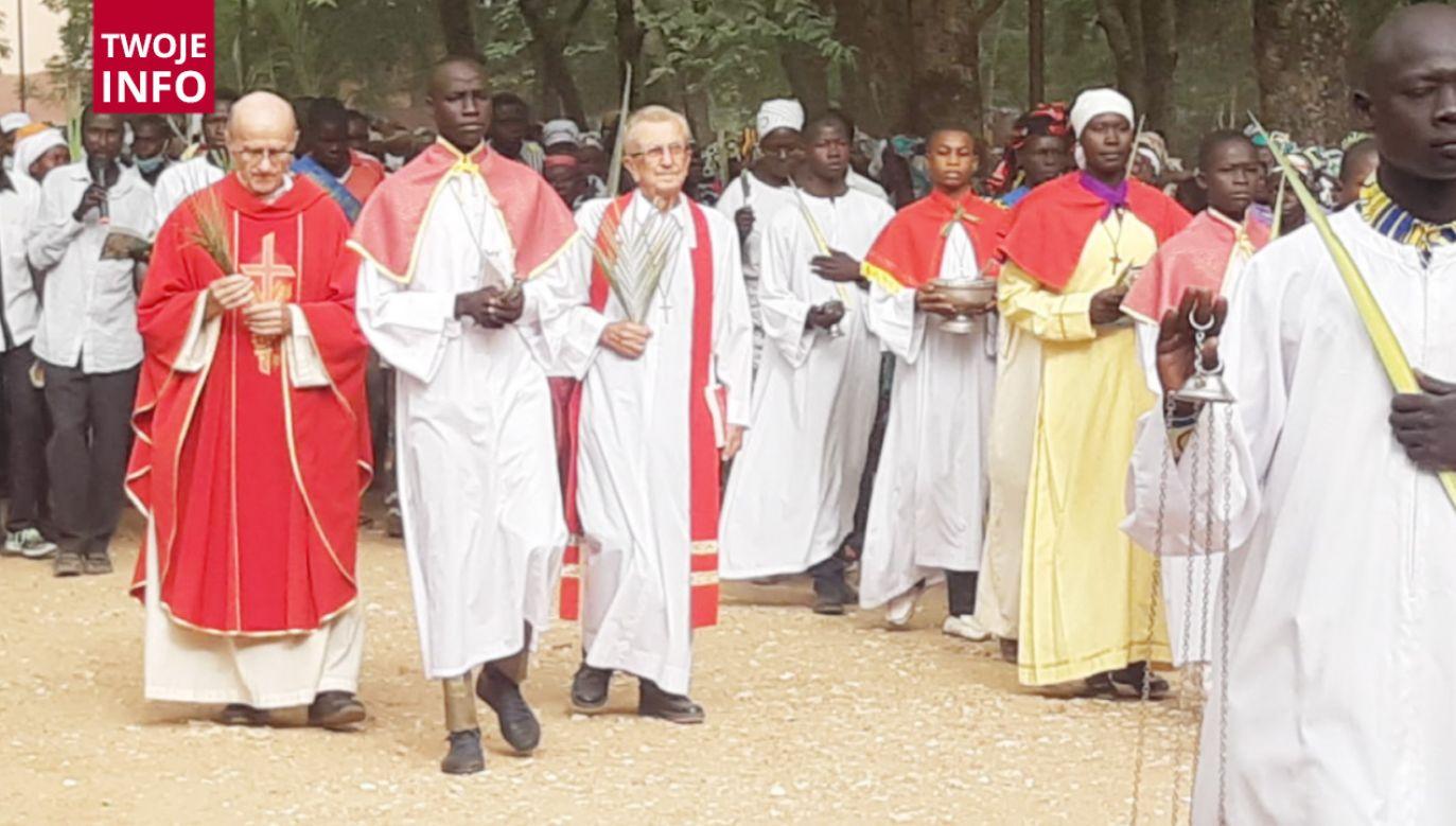O. Alojzy Chrószcz prowadzi nabożeństwa wielkopostne w Kamerunie (fot.Twoje Info)