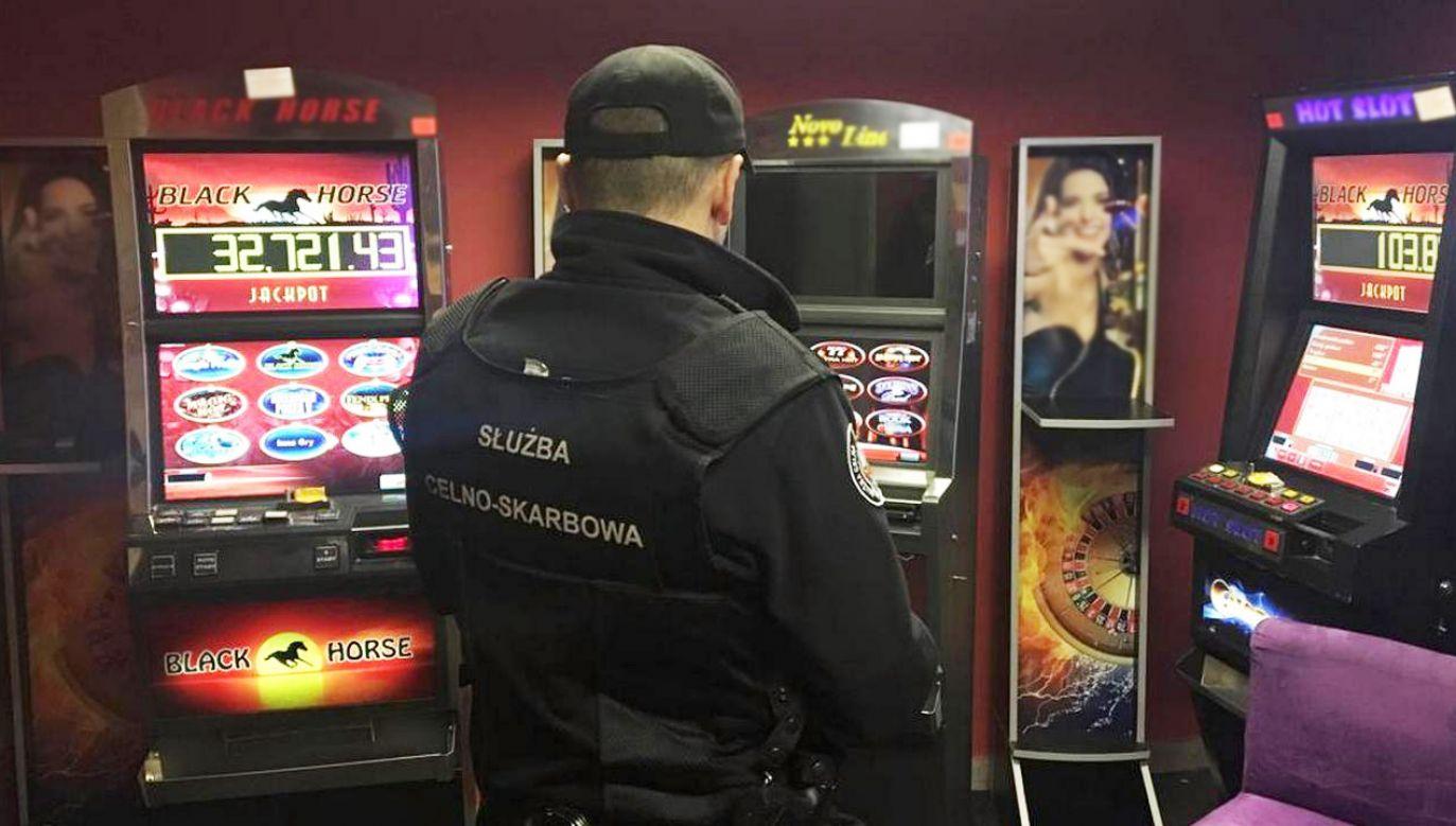 Uderzenie w podziemny hazard. Gang stracił maszyny warte ponad 630 tys. zł (fot. KAS)