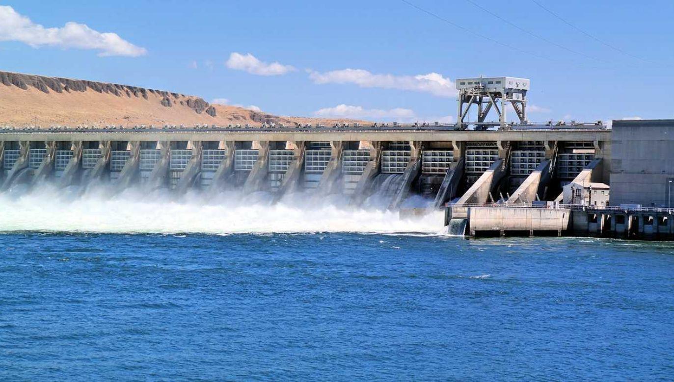 Wodę z tamy spuszczano po ulewnych deszczach (fot. Pixabay)