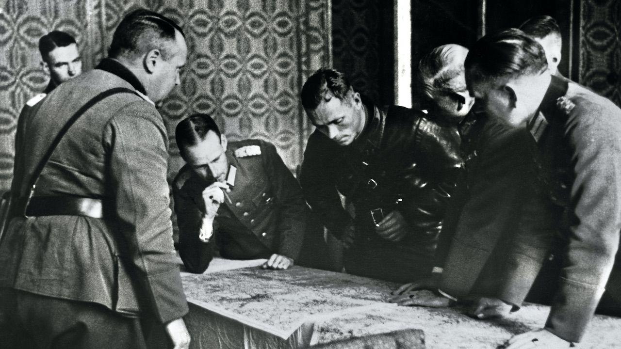 W Kuropatach spoczywają ofiary zbrodni sowieckich sprzed agresji na Polskę i z czasów okupacji (fot. Hulton-Deutsch Collection/Corbis/Getty Images)
