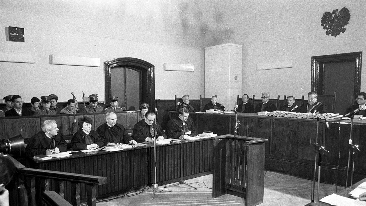 Proces przeciwko sprawcom uprowadzenia i zabójstwa ks. Jerzego Popiełuszki przed Sądem Wojewódzkim w Toruniu (fot. PAP/Grzegorz Rogiński)
