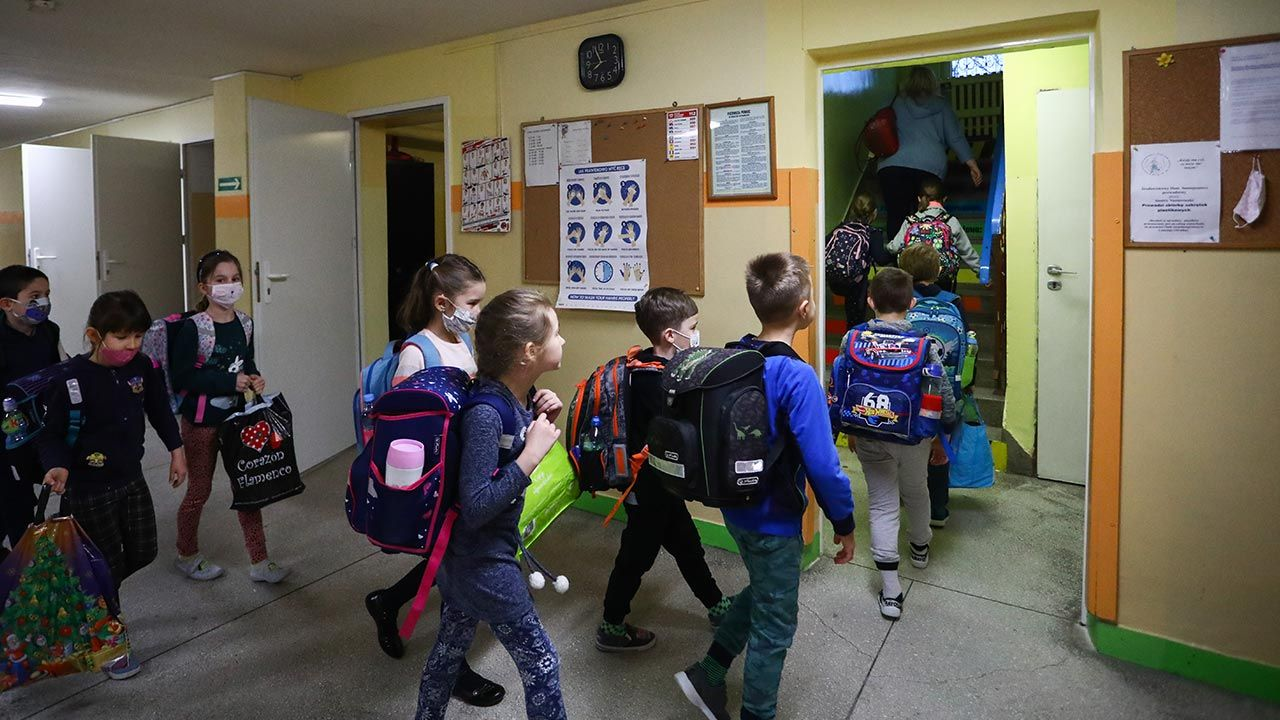 Od 29 maja szkoły będą otwarte dla wszystkich uczniów (fot. Beata Zawrzel/NurPhoto via Getty Images)