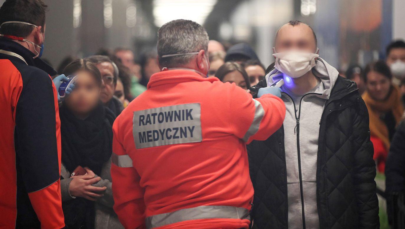 Wieczorem zostanie opublikowane rozporządzenie resortu w sprawie objęcia koronawirusa reżimem ustawy o chorobach zakaźnych (fot. PAP/Łukasz Gągulski)