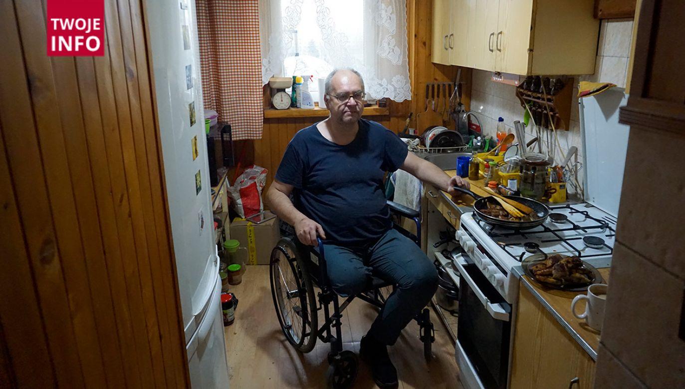 Według mężczyzny, stan jego nogi nie nadaje się do korzystania z takiej namiastki protezy finansowanej przez NFZ (fot. Twoje Info)