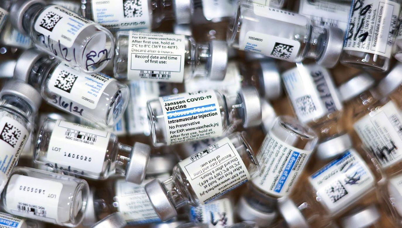 Ogólny bilans korzyści ze szczepionki Johnson & Johnson względem ryzyka pozostaje pozytywny (fot. Michael Ciaglo/Getty Images)