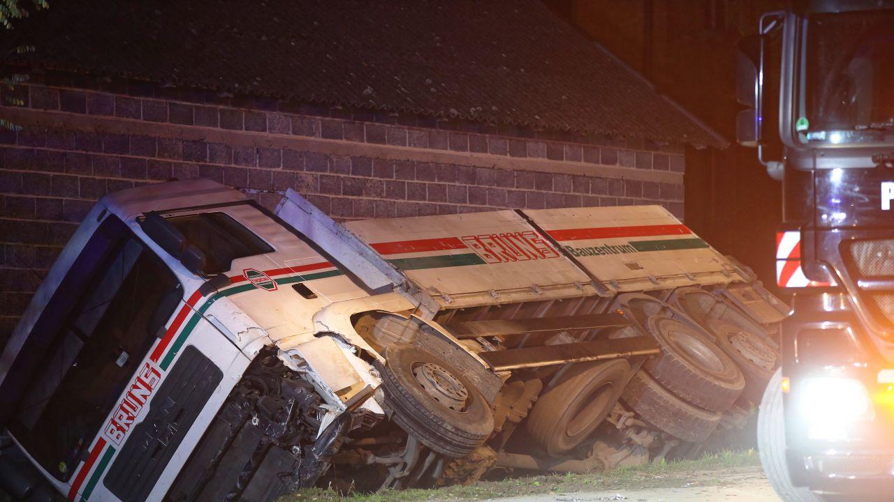 Miejsce wypadku w miejscowości Niegardów-Kolonia  (fot. PAP/Łukasz Gągulski)