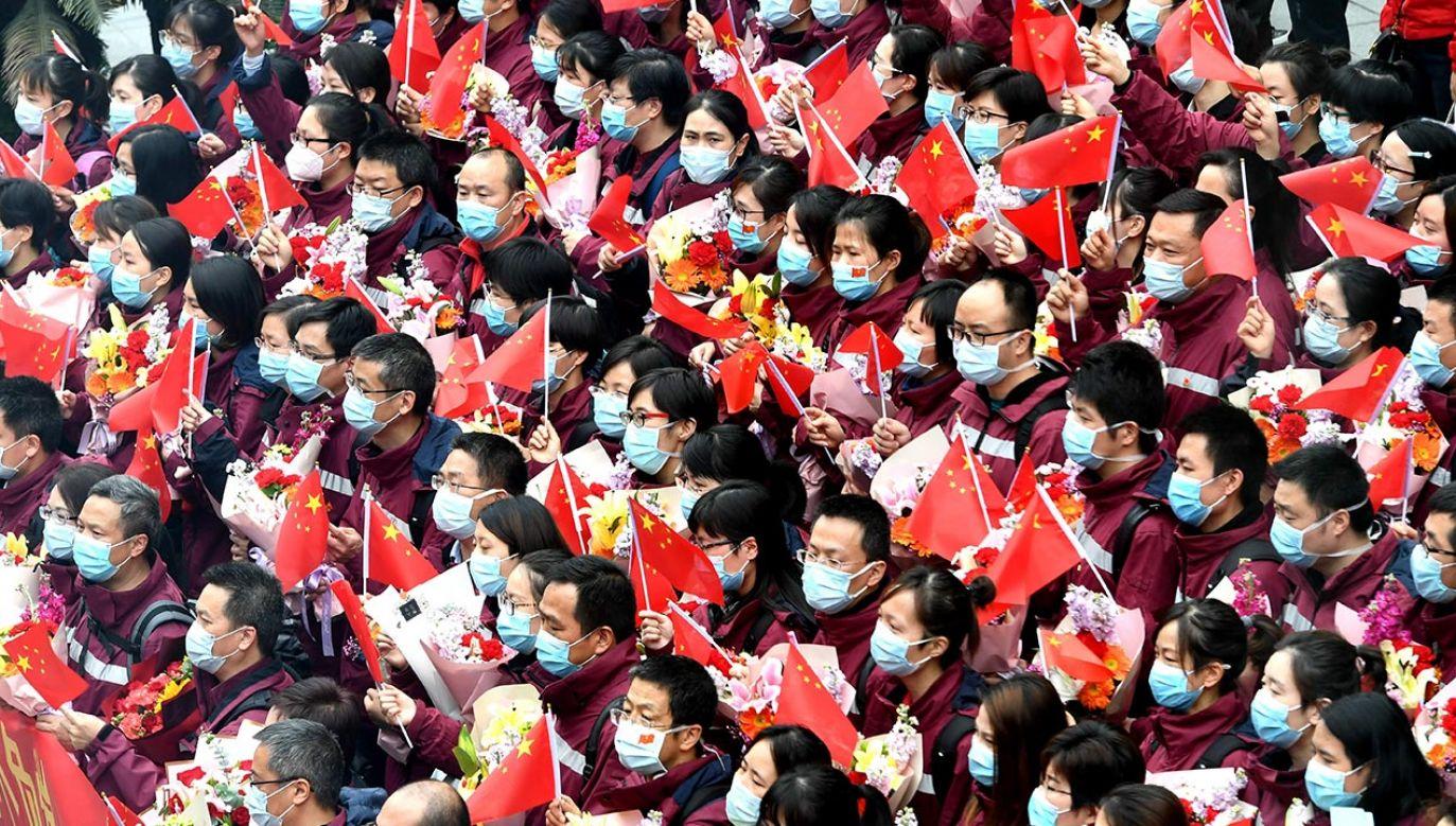 Według danych państwowej komisji zdrowia okres szczytowy zakażeń w ChRL minął (fot. Wang Dongming/China News Service via Getty Images)