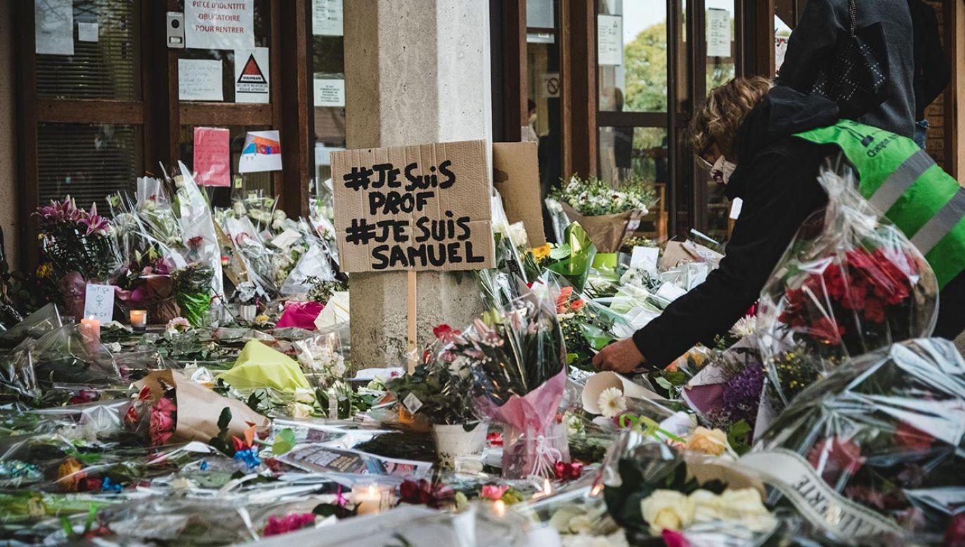 Rozważane jest pochowanie Paty'ego w paryskim Panteonie, gdzie spoczywają najbardziej zasłużone dla Francji osoby (fot. Samuel Boivin/NurPhoto via Getty Images)