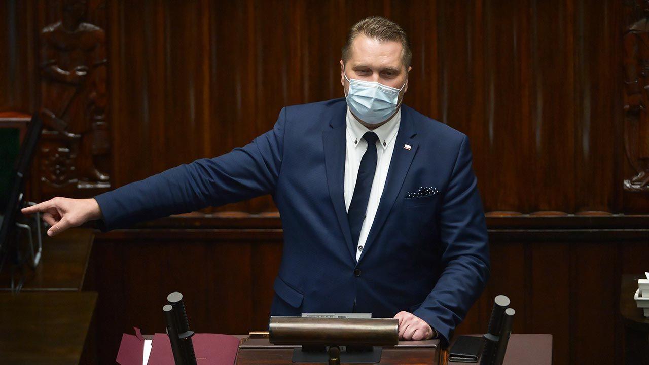 """Szef MEiN Przemysław Czarnek w Sejmie. """"Wniosek o odwołanie mnie ze stanowiska jest kompromitacją"""" - tvp.info"""