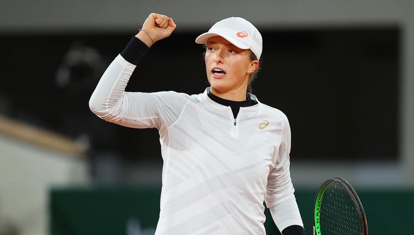 Iga Świątek zagra w turnieju WTA Finals (fot.  Julian Finney/Getty Images)