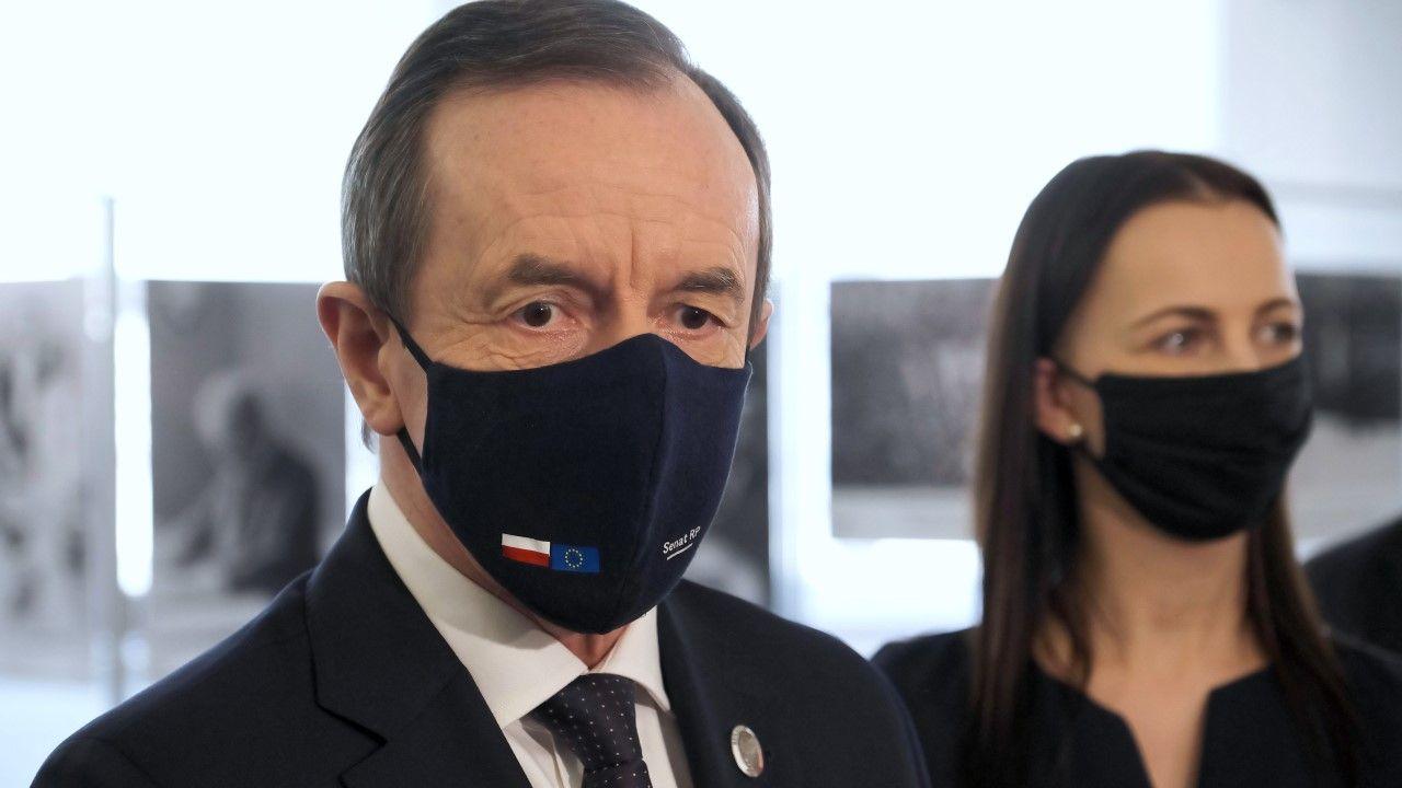 Marszałek Senatu Tomasz Grodzki i dyrektor Gabinetu Małgorzata Daszczyk (fot. PAP/Mateusz Marek)